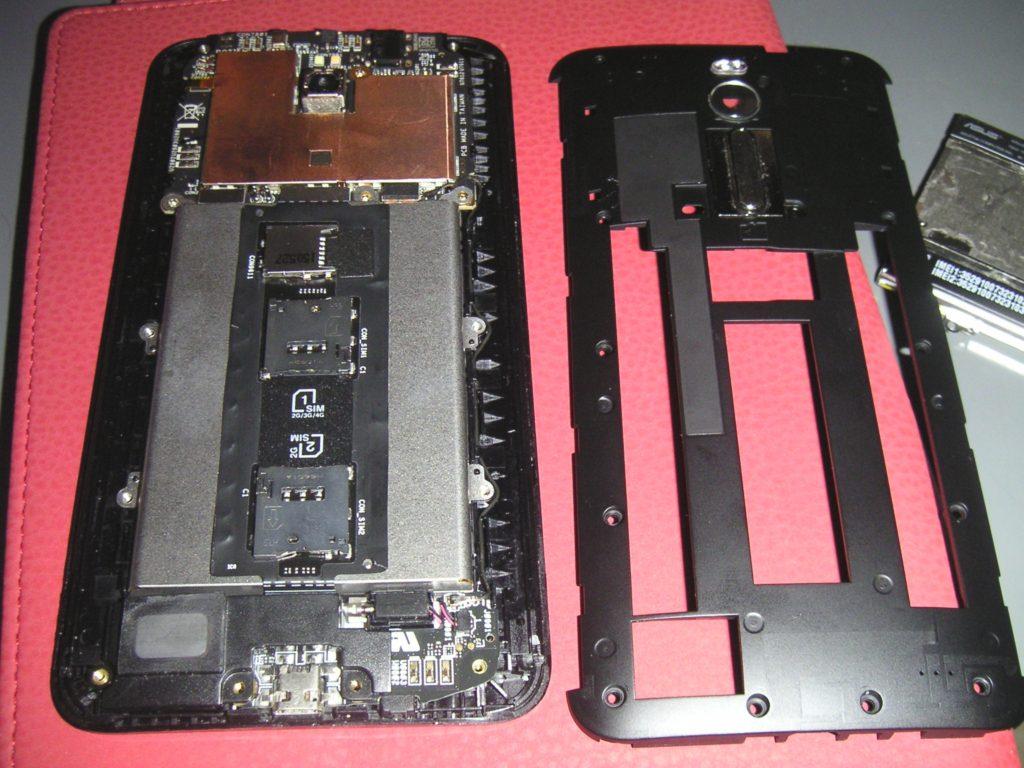 ZenFone2内部カバー外し
